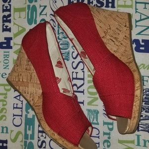 Lightly used red wedges